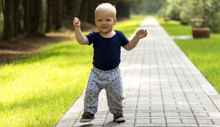xwalking-baby-320.jpg,q1512393335.pagespeed.ic.HFNIc5lqOX